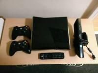 Xbox 360 S 250GB Console + Kinect + 8 Games (FIFA16/Halo/NBA2K16)