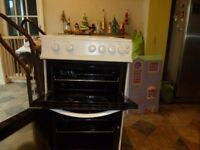 Gas Cooker, H=89cm W=48cm D=66cm White £150 Can be delivered if in Basingstoke