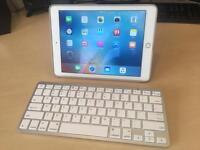 Apple iPad Air 2 16GB WIFI + Keyboard