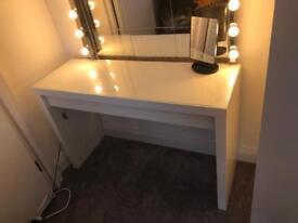IKEA MALM Make-up dressing table &lights