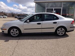 2005 Saab 9-3 Come on in and see this beauty! Linear Manual Kitchener / Waterloo Kitchener Area image 4