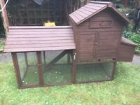 Large chicken coop, vgc could deliver