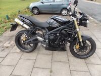 TRIUMPH STREET TRIPLE, BLACK, 2011,675CC,1 OWNER 9850M, NEW MOT,ARROW EXHAUST,ANY INSPECTION