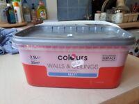 9 tubs of 2.5l red matt paint