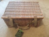 Brand New picnic hamper for two
