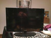 """Samsung LE32B450C4W 32"""" LCD HD TV Black"""