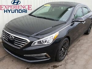 2015 Hyundai Sonata Limited LIMITED/LOADED/ NAV/NEW MVI MOONROOF