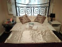 SHORT TERM LET A BEAUTIFUL DOUBLE ROOM IS AVAILABLE TO RENT NOW.