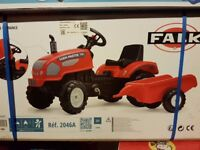 KIDS TRACTOR PEDAL + TRAILER BRAND NEW IN BOX