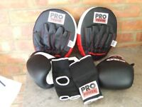 BOXING GLOVES, ( 10oz ) HAND PADS, SPARRING GLOVES