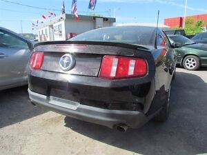 2012 Ford Mustang V6 Premium * LEATHER * HEATED POWER SEATS London Ontario image 7