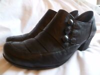 UK size 5 Gabor black high cut shoes. low heel