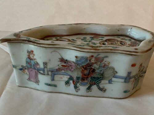 Antique Chinese Leaf Form Cricket Cage Box Dragon Immortal Famille Rose  SIGNED