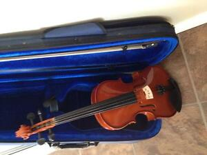 $ 125.00 Violin 1/4 size full outfit brand new