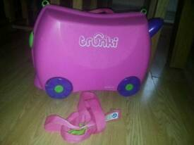 PINK TRUNKI RIDE ON SUITCASE VGC