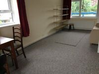 Large 2 bed 3rd floor flat with lift to rent in Kingsbury Available now