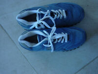 Dunlop trainers size 10