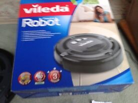 ROBOT VACUUM CLEANER VILEDA USED A FEW TIMES.