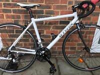 Immaculate BTwin Triban 300 road bike