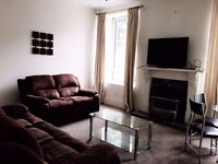 A LUXURIOUS AND FULLY FURNISHED 2 DOUBLE BEDROOM FLAT IN DESIRABLE ROSEMOUNT AREA ABERDEEN