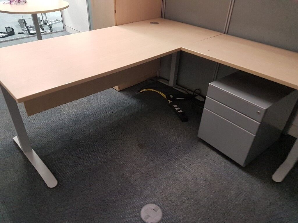 Executive Office Desk With Extension And Pedistal