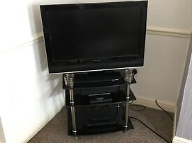 Wharfedale 32 inch flat screen with built in free view