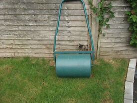30 litre steel garden roller fill with water or sand.