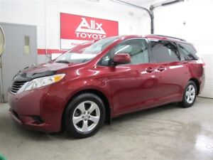 2013 Toyota Sienna LE 8 PASSAGERS