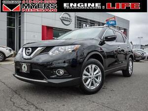 2014 Nissan Rogue SV,AWd, 7 Seat, moonroof, nav!!, Backup Camera