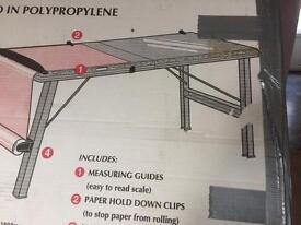 Plastic pasting table