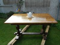 Xmas/Christmas/New Years Solid Oak dinning table
