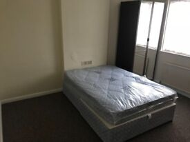 2 rooms available to rent 550 each PCM (Some bills included)
