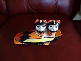 LORNA BAILEY CERAMIC - 2 CATS ON BOBSLEIGH