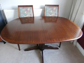 """""""G PLAN"""" Extending table and 4 upholstered chairs"""