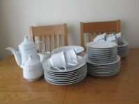 white tea and dinner service white gold rings 6 place setting
