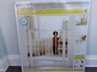 Child stair gate - new, boxed, never used