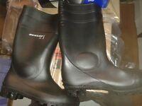 Dunlop steel toe cap black wellington boots, brand new