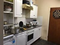 Double room for rent near town centre, All inclusive