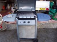 NEW BARBEQUE WITH FULL GAS BOTTLE AND LOTS OF ACCESSORIES