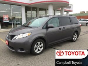 2017 Toyota Sienna LE--LOW KM'S--POWER SLIDING DOORS
