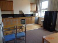 2 bed flat, under 5 mins walk to Clapham Junction