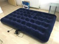 Double airbed with main pump