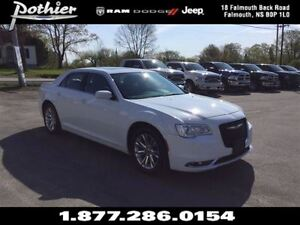 2016 Chrysler 300 Limited | RWD | LEATHER | SUNROOF | REAR CAMER
