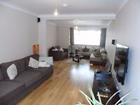 EXTENDED 3 Bedroom House with 3 wc/ shower rooms Plus Utility room in North Harrow Pinner Rayners
