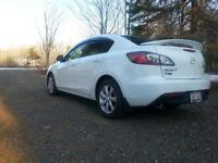 mazda 3 gs sunroof/leather/tinted