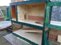 Small hutch for Guinea pig or Rabbit