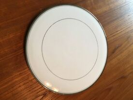3 x China cake plates and 2 x slices (Royal Worcester / Wedgewood / Royal Crown Derby)