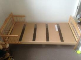 Toddler bed with/without mattress