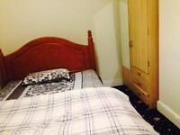 Double bedroom in Shirley