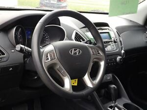 2013 Hyundai Tucson GLS   WELL EQUIPPED   ALLOYS   HEATED SEATS  Stratford Kitchener Area image 5